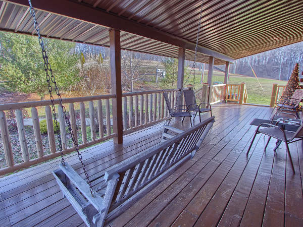 Front deck with three steps