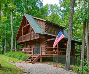 cabin in hocking hill near hiking trails