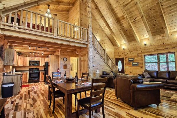 Whistling Ridge Cabin Hocking Hills Old Man S Cave Ohio