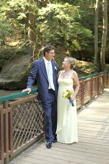 Hitching Post Wedding Ceremony At Old Man S Cave In