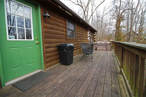 Firefly cabin hocking hills old man 39 s cave ohio for Little pine cabin hocking hills